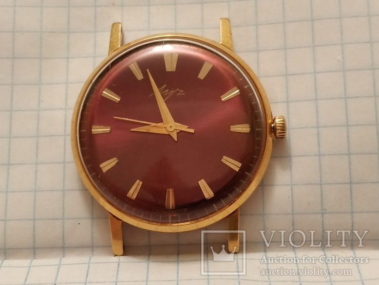 Часов ссср камни из продать корпусах скупка часы в желтых