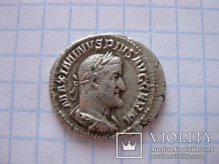 Денарий Максимина Фракийца (Победа над Германией), фото №4