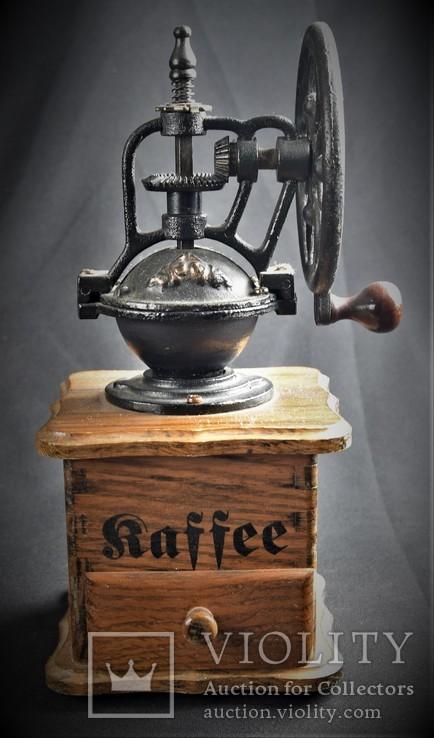 Большая ручная кофемолка. Европа, фото №2