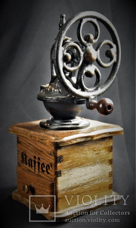 Большая ручная кофемолка. Европа, фото №4