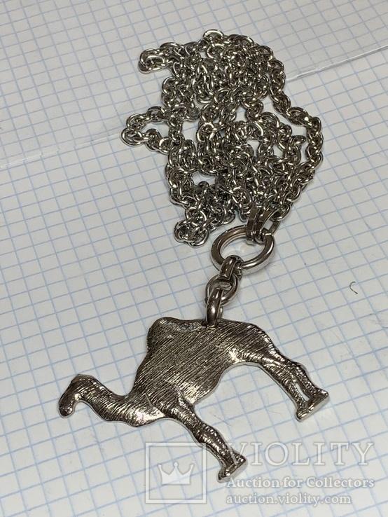 Большой кулон Верблюд на цепочке 61 грамм, фото №2