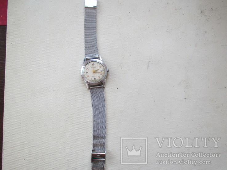 Часы Столичные