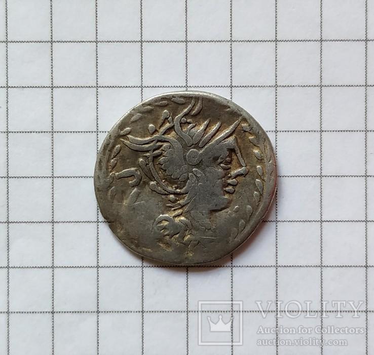 Денарий Римской республики Луцилия Руфуса