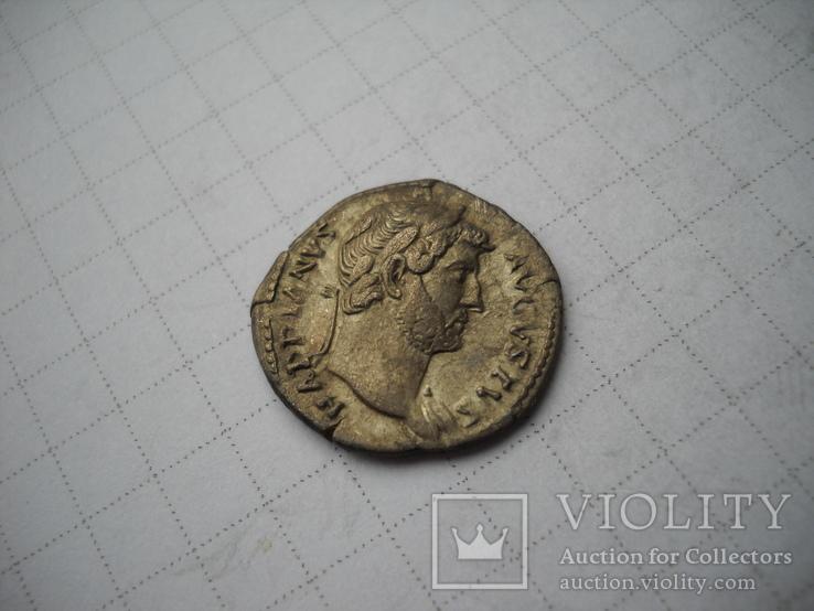 Денарий Адриан (117-138)