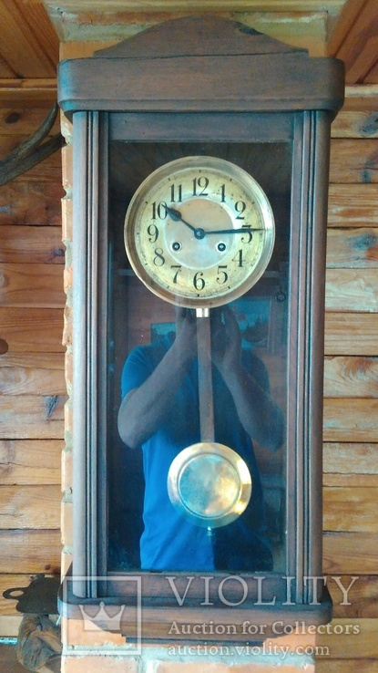 Настінний годинник