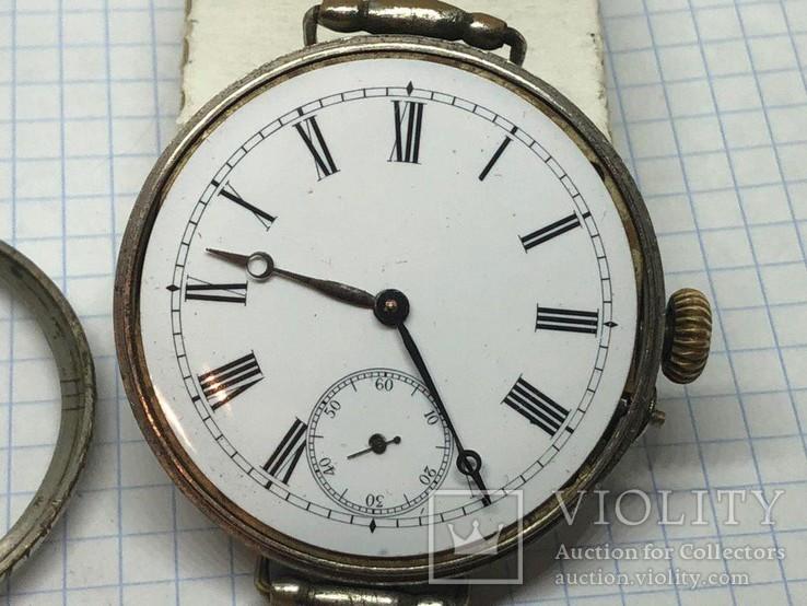 Винтажные наручные часы (на ходу)
