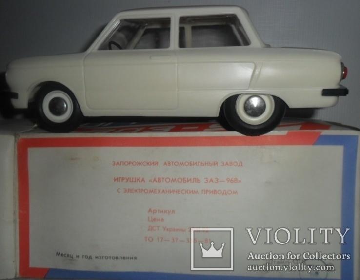 Игрушка СССР электромеханическая Машинка ЗАЗ 968