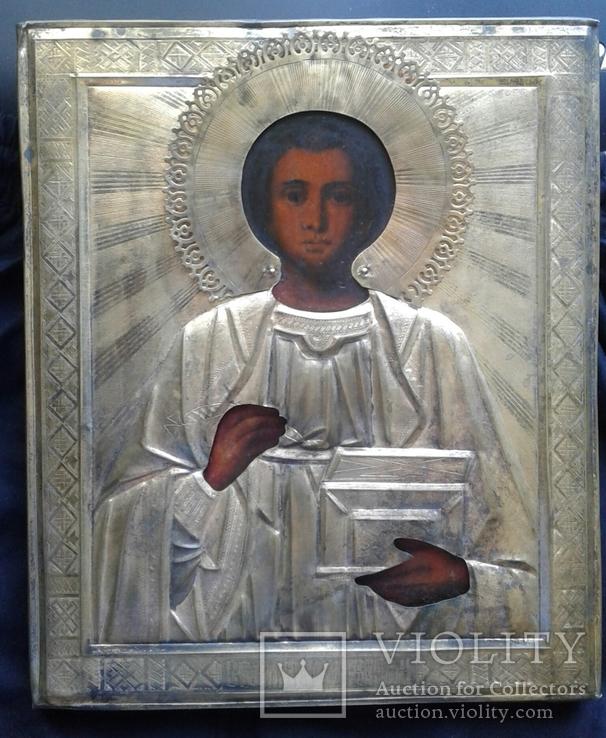 Икона в окладе Пантелеймон целитель.