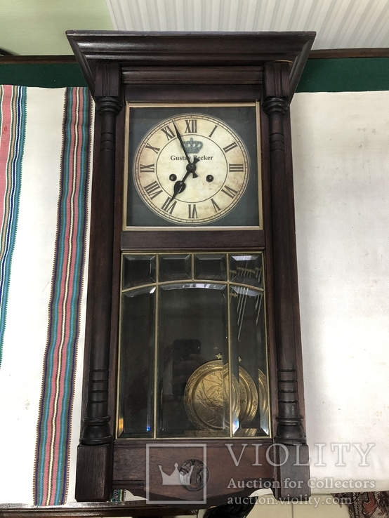 Настінний годинник Gustav Becker
