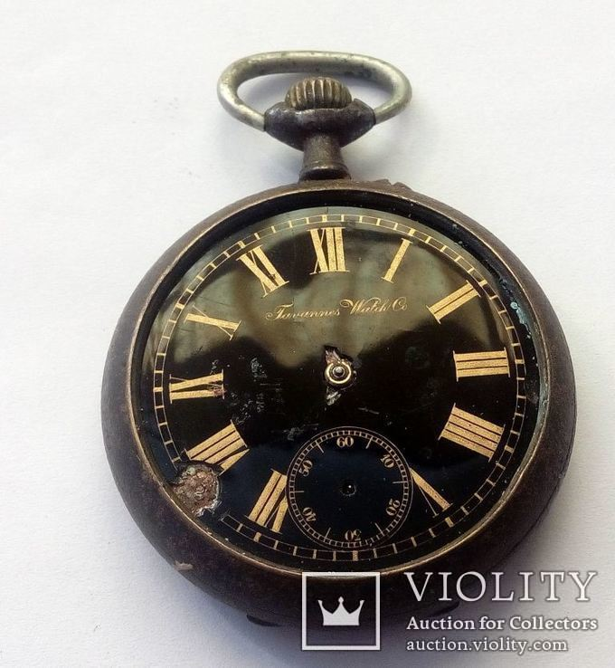 Старинные иностранные часы.