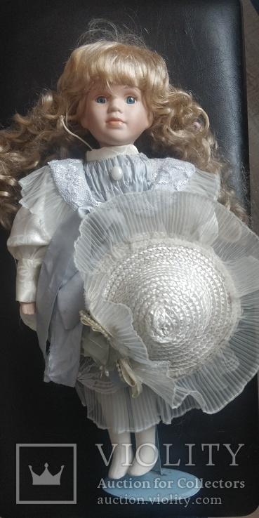 Фарфоровая кукла ,на подставке,Европа, фото №5