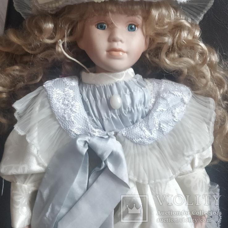Фарфоровая кукла ,на подставке,Европа, фото №7