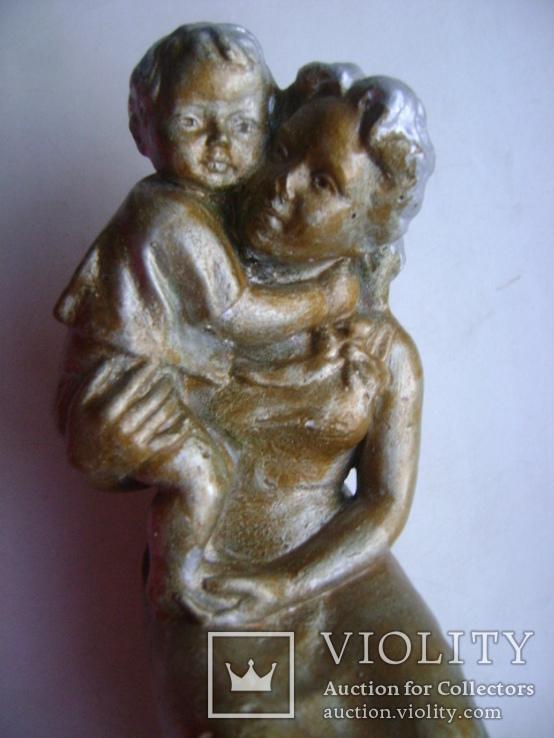 Мама с ребенком (гипс), фото №4