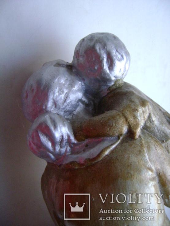 Мама с ребенком (гипс), фото №9