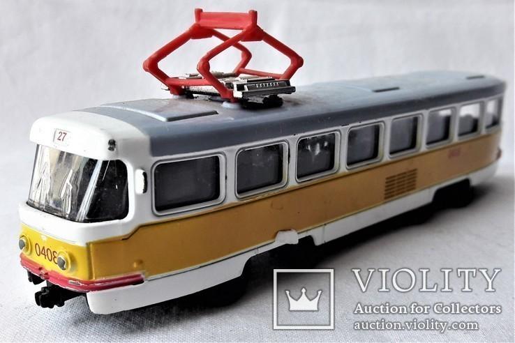 Трамвай Татра 1:87 НО для макета Ж/Д, инерционный