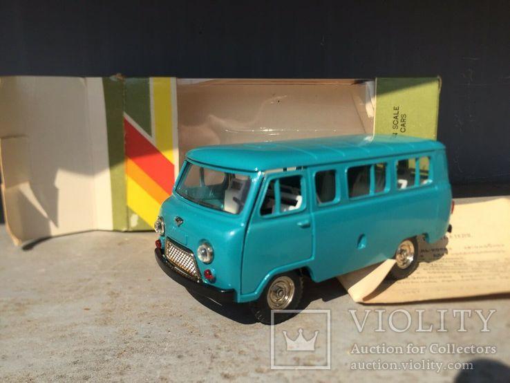 Модель УАЗ 452 В. СССР. М 1:43 с коробкой