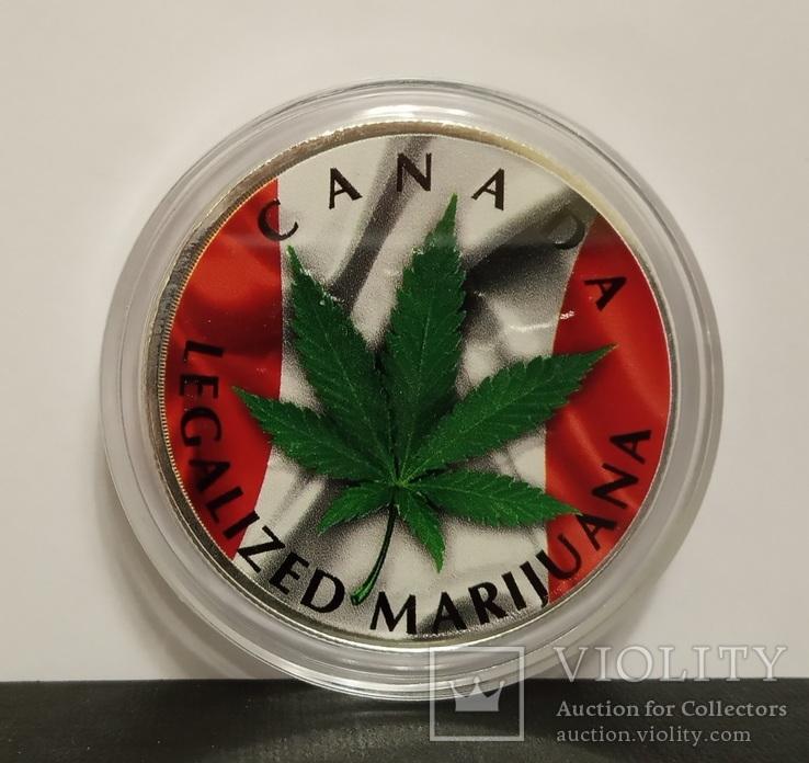 Канада 5 долларов 2018 г.''Марихуана'' .1 унция серебра (31.1 гр.).