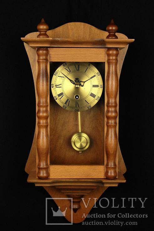 Компактные настенные маятниковые часы. Германия. (0243)