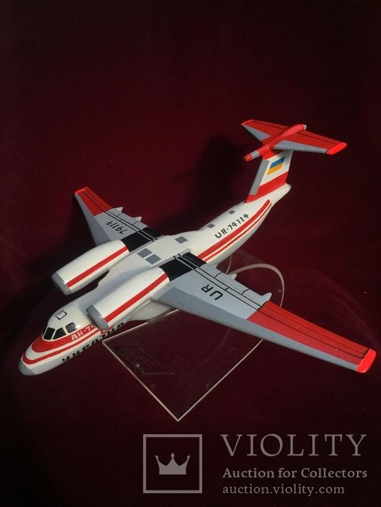 Настольная модель самолета АН-74