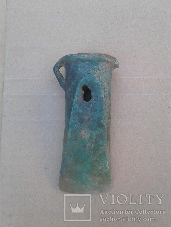 Кельт восточнотрансильванского типа с арковидной фаской и пещеркой, культура Ноуа 15-13вв. до н.э.