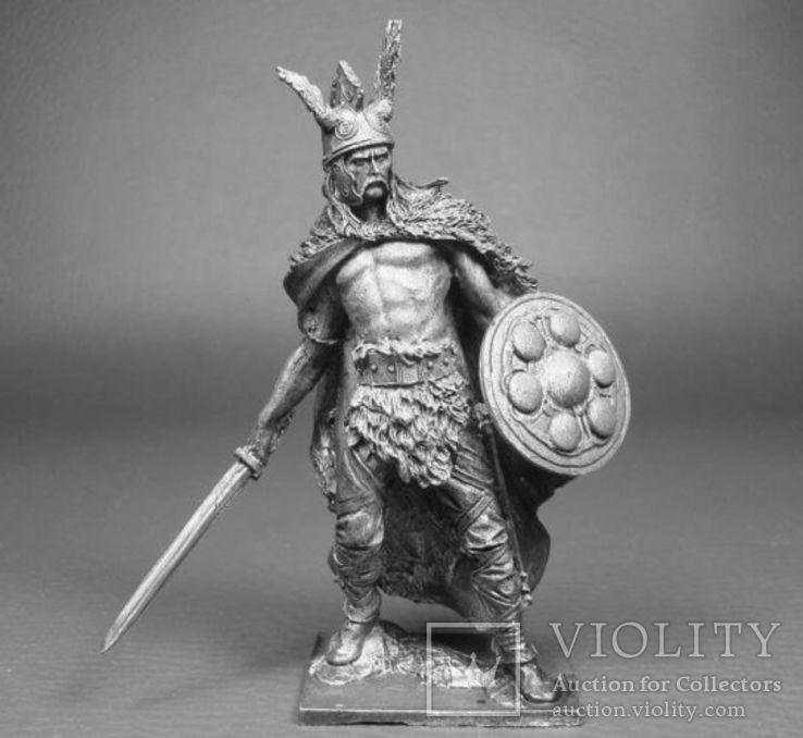 Кельтский вождь Верцинге́торикс , противостоявший Юлию Цезарю в Галльской войне, фото №2