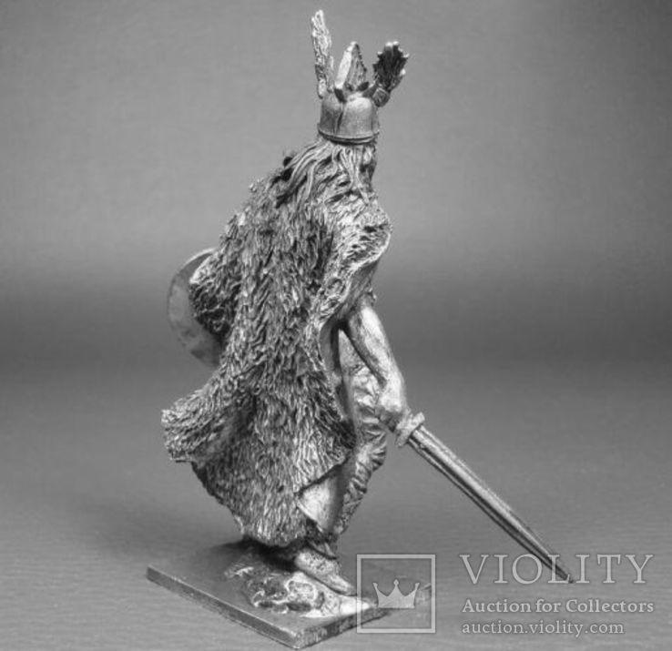 Кельтский вождь Верцинге́торикс , противостоявший Юлию Цезарю в Галльской войне, фото №3