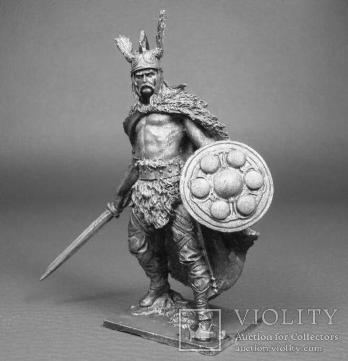 Кельтский вождь Верцинге́торикс , противостоявший Юлию Цезарю в Галльской войне, фото №4