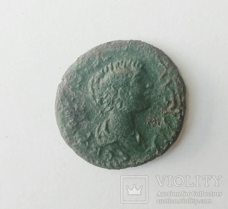 Бронзовая монета Юлии Паутиллы (Тира)