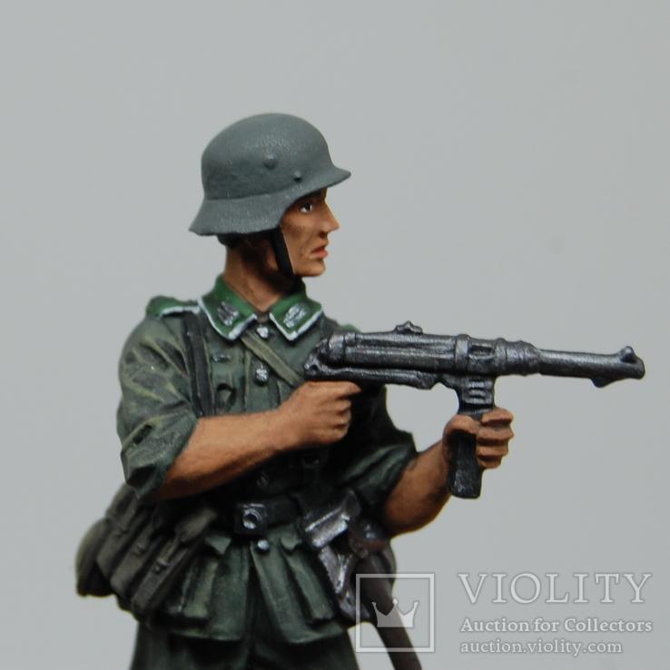 Немецкий солдат стреляет с автомата. Период ВОВ. Олово, раскрас, фото №3