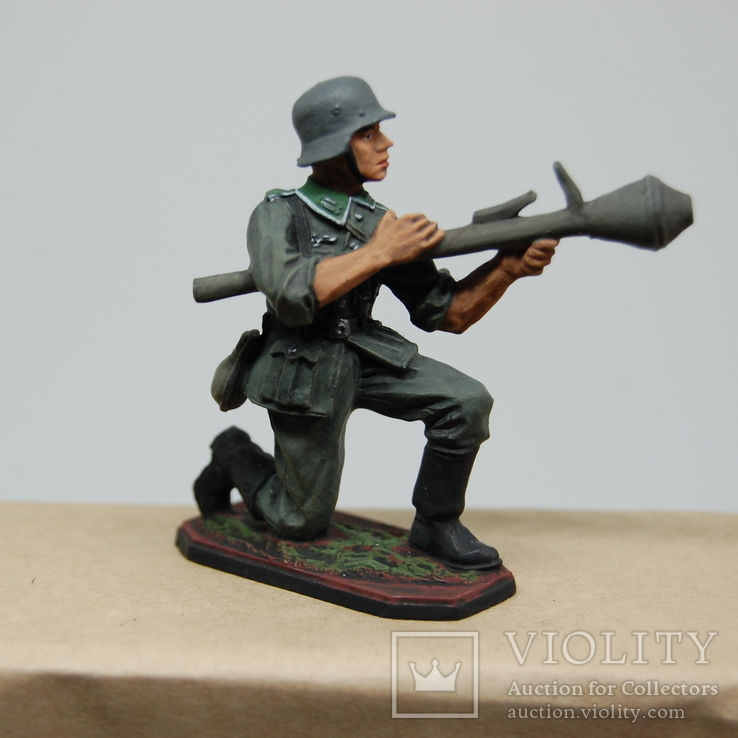 Немецкий солдат. Период ВОВ. Олово, раскрас