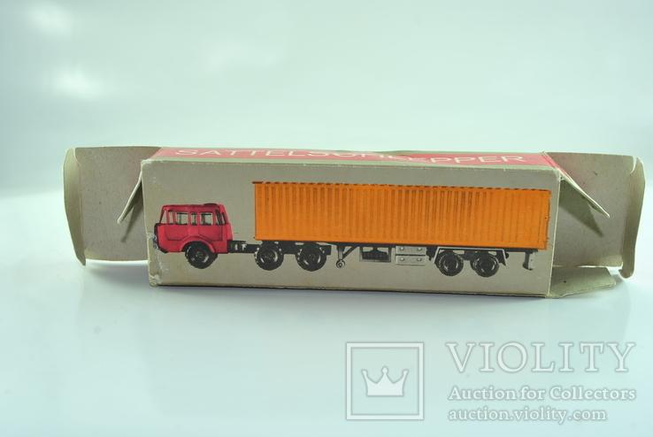 Коробочка для   Tatra Вudamobil ( 1/120) лот 2, фото №2