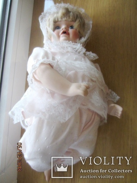 Кукла фарфоровая promenade collection eugenie