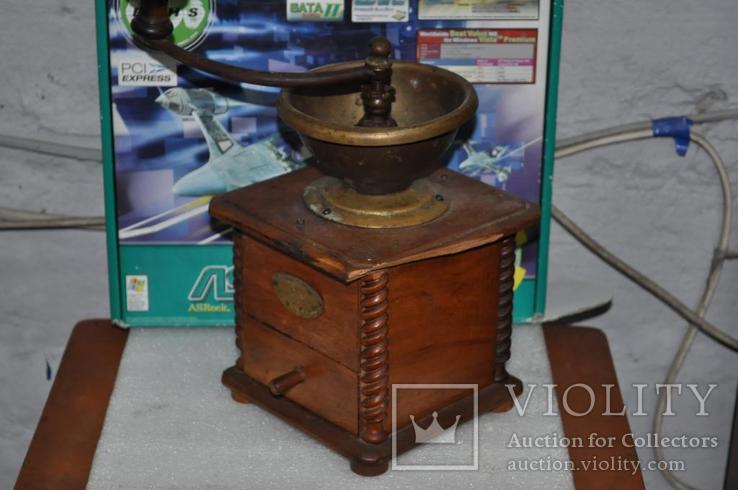 Старинная кофемолка Peugeot Freres Valenticney, фото №2