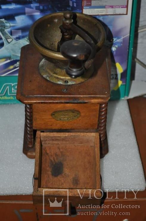 Старинная кофемолка Peugeot Freres Valenticney, фото №3