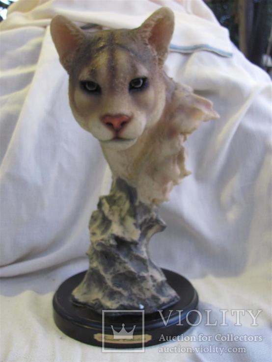 Статуэтка на подставке львица. выс 33см, фото №2