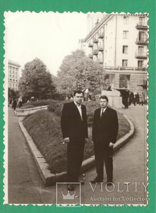 Мужчины мода Киев Крещатик 1964, фото №2