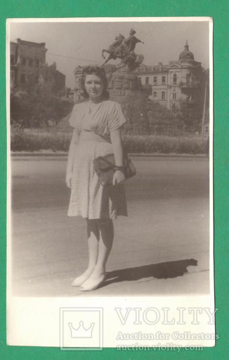 Девушка мода Киев памятник Б.Хмельницкий, фото №2