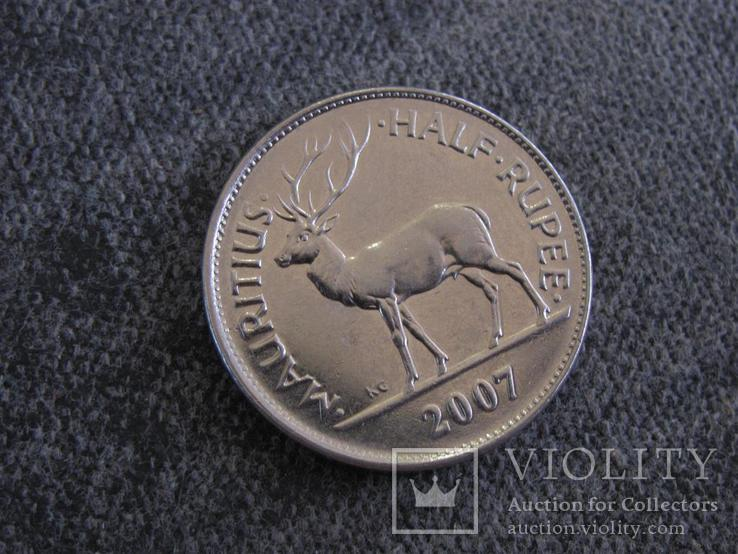 Пол рупии 2007г Маврикий, фото №2