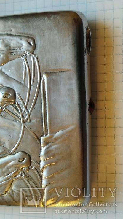 Портсигар Тройка с янтарной кнопкой и клеймом, фото №3