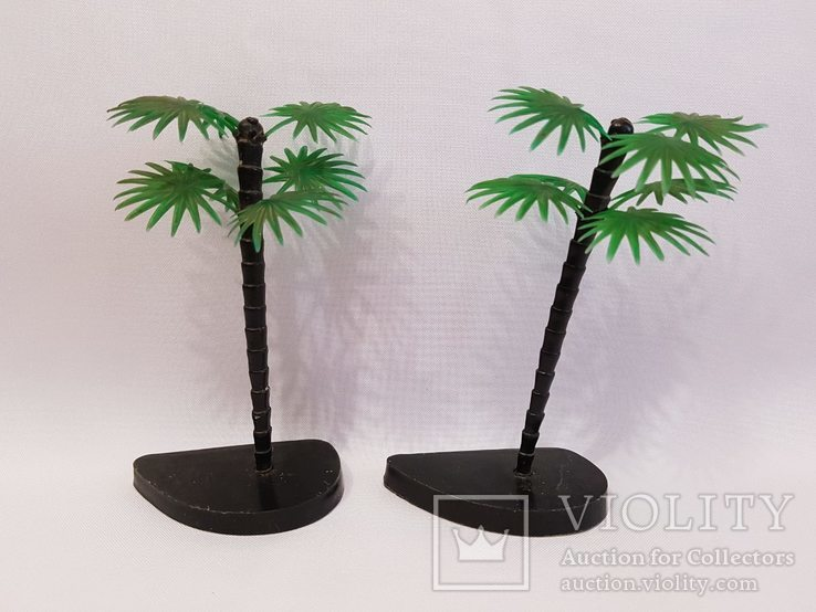 2 пальмы , цена клеймо СССР одним лотом . 12.5 см.