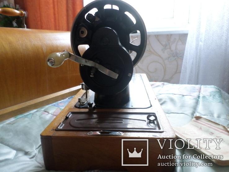 Швейная машинка ПОДОЛЬСК с ручным приводом.Рабочая., фото №3