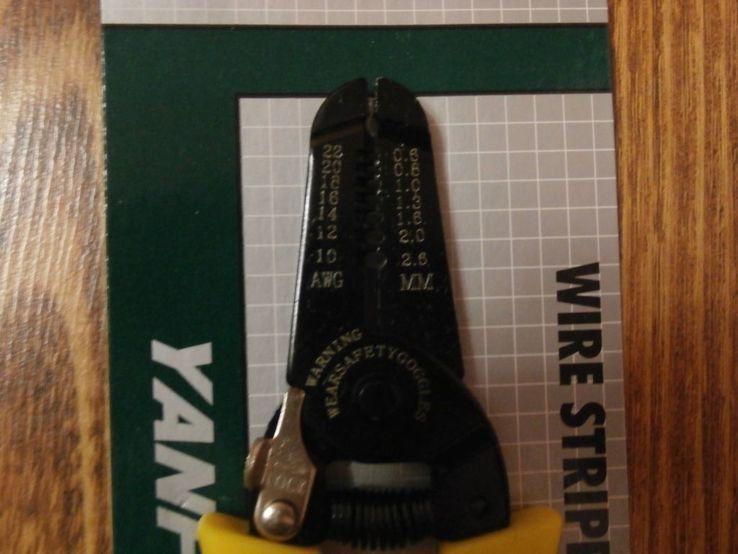 Инструмент для зачистки и обрезки проводов 0,6-2.6 мм Съёмник изоляции стриппер, фото №4