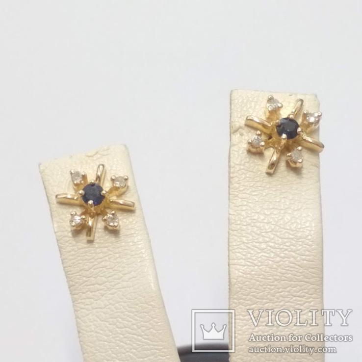 Золотые серьги-гвоздики с сапфирами и бриллиантами, фото №2
