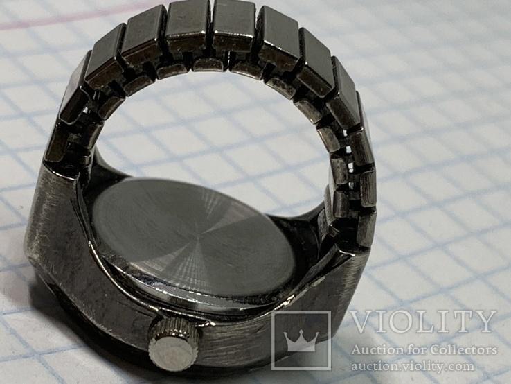 Японские часы-кольцо, фото №4