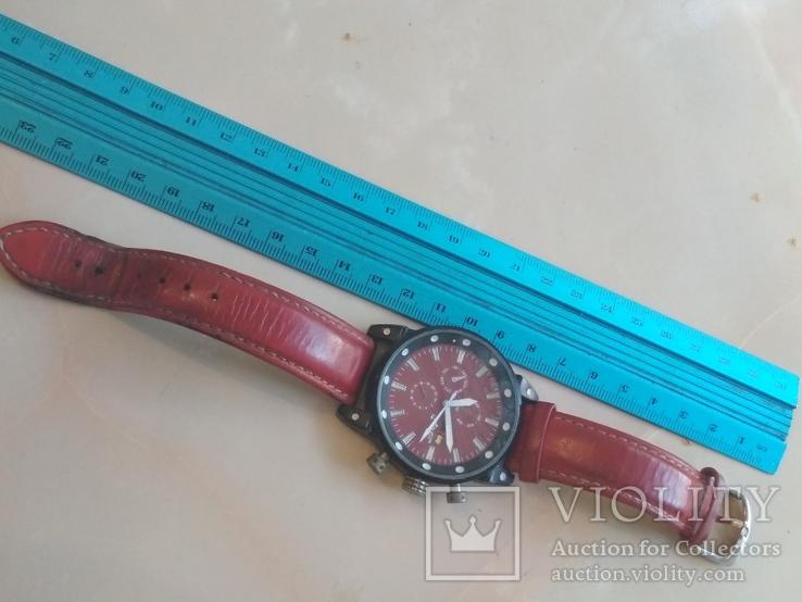 Часы наручные Красные на ходу, фото №13