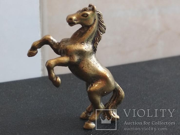 Лошадь на дыбах бронза брелок коллекционная миниатюра, фото №3