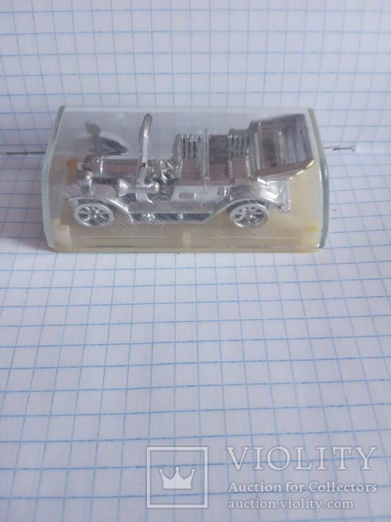 Модель машинки в футлярі   ссср, фото №3