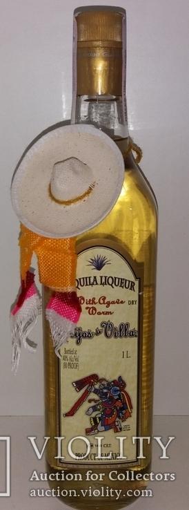 Текила-ликер с червяком Hijos de Villa Gold, Мексика, фото №2