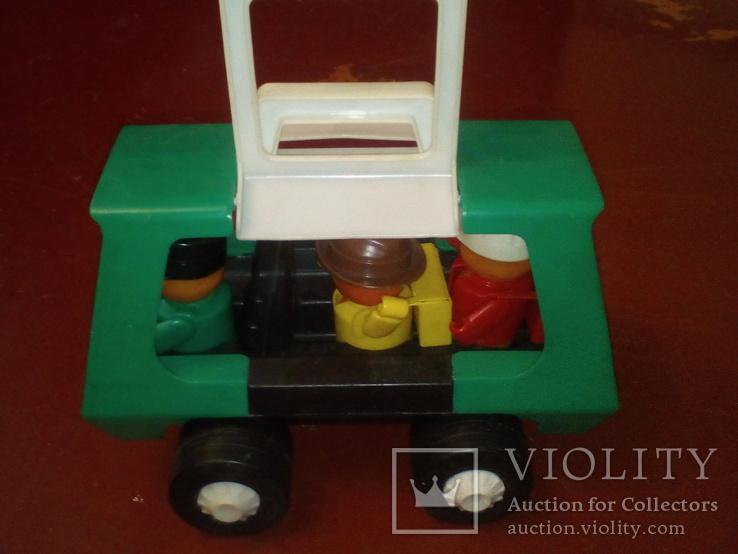 Микроавтобус с туристами, фото №3