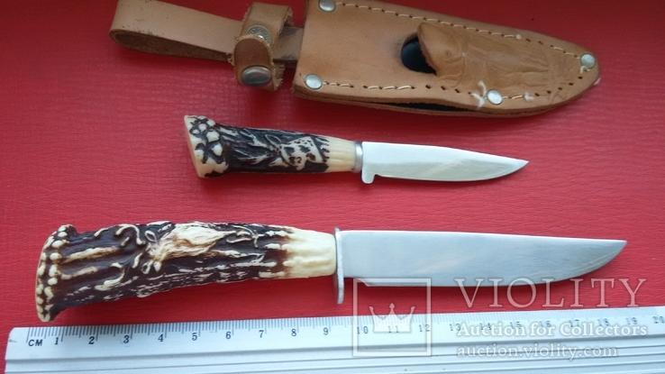 Два ножика в одних ножнах.